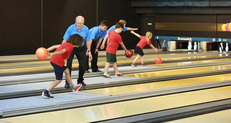 School holiday tenpin bowling program