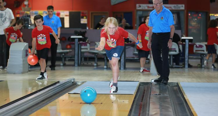 ten pin bowling action